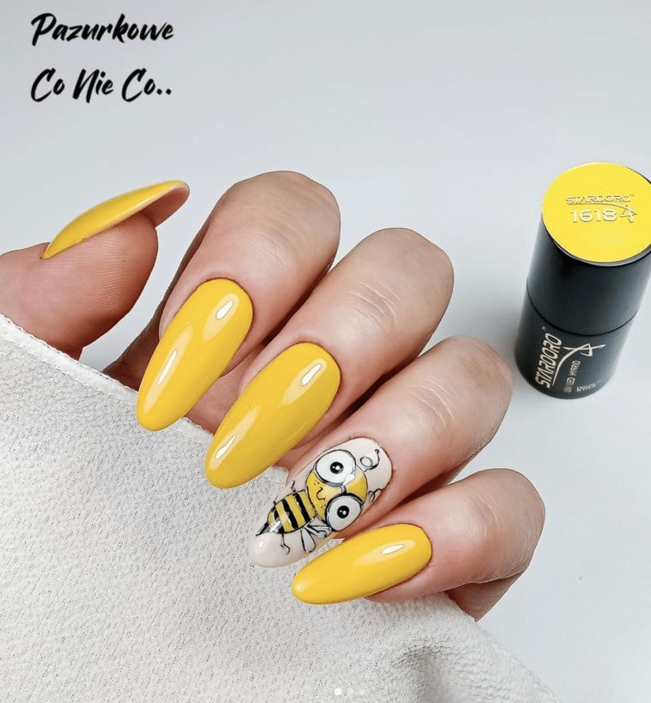 Nails art gialla