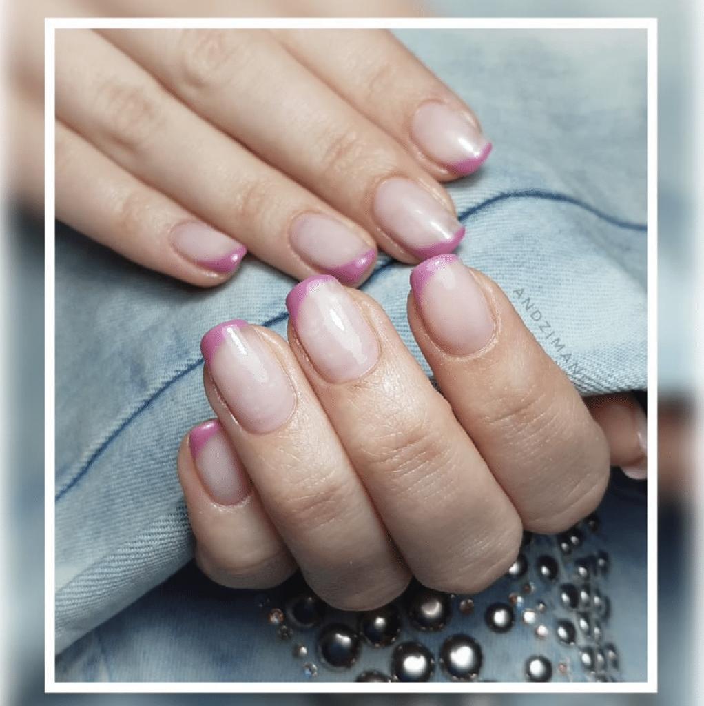 Unghie Primavera 2021: french manicure colorata