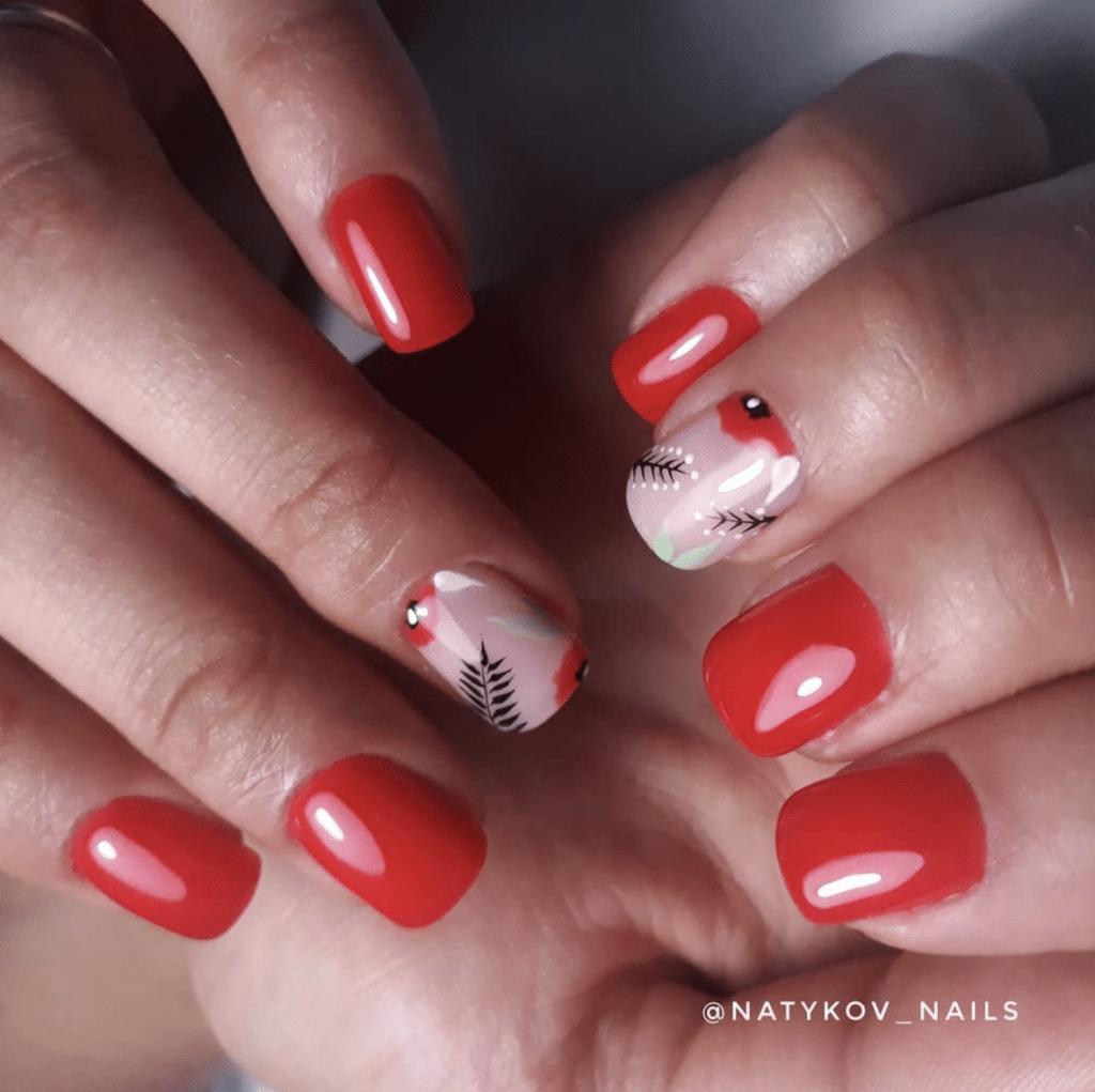 Unghie Primavera 2021: il rosso perfetto è fragola