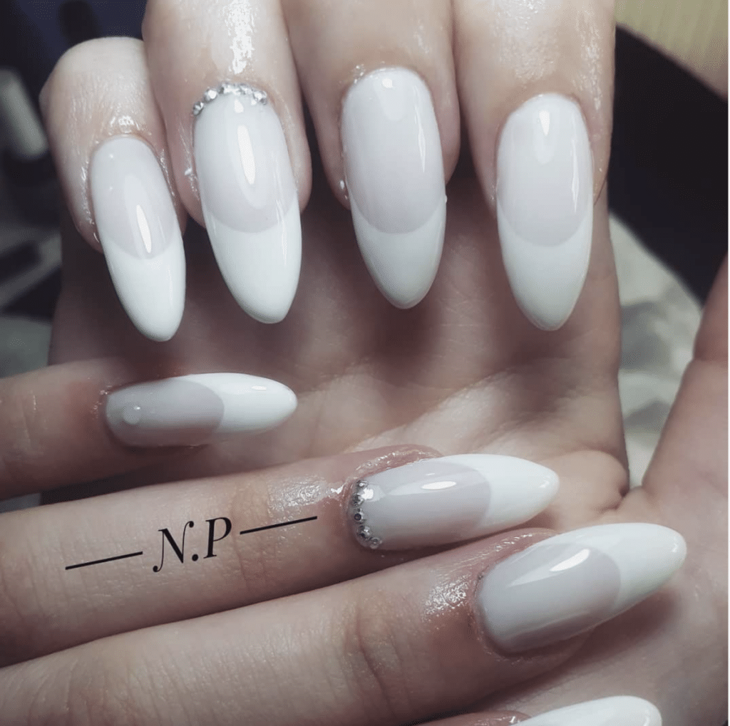 French manicure bianco
