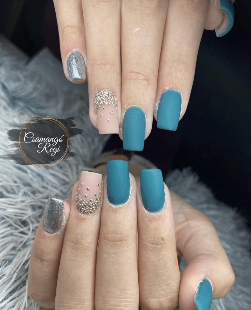Nail art opaca gioiello